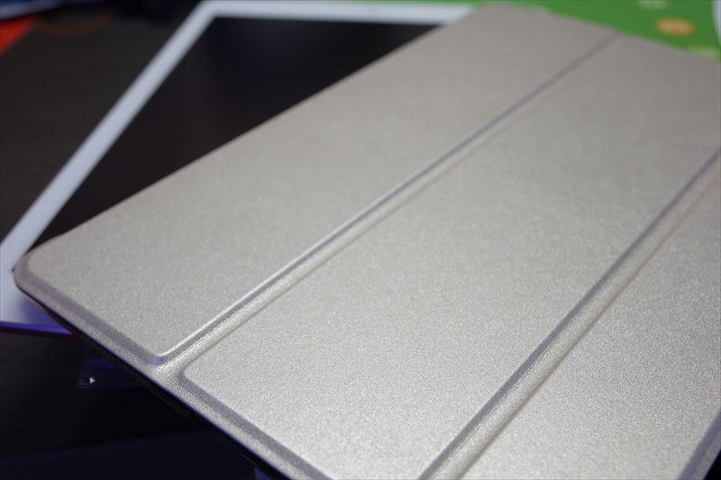 iPadPro9.7インチ用ケースESRクリアスマートカバー